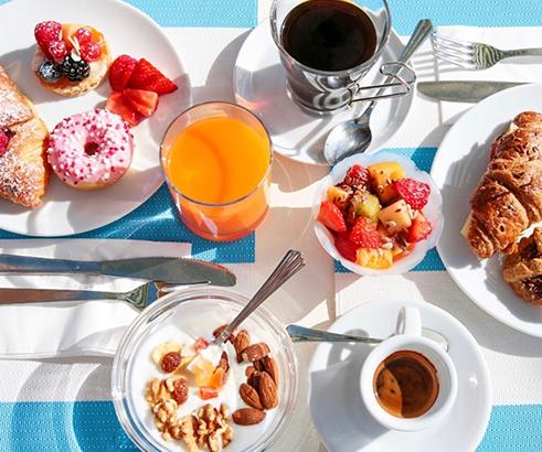 Hotel cattolica hotel cattolica 3 stelle sul mare con piscina for Casa design cattolica